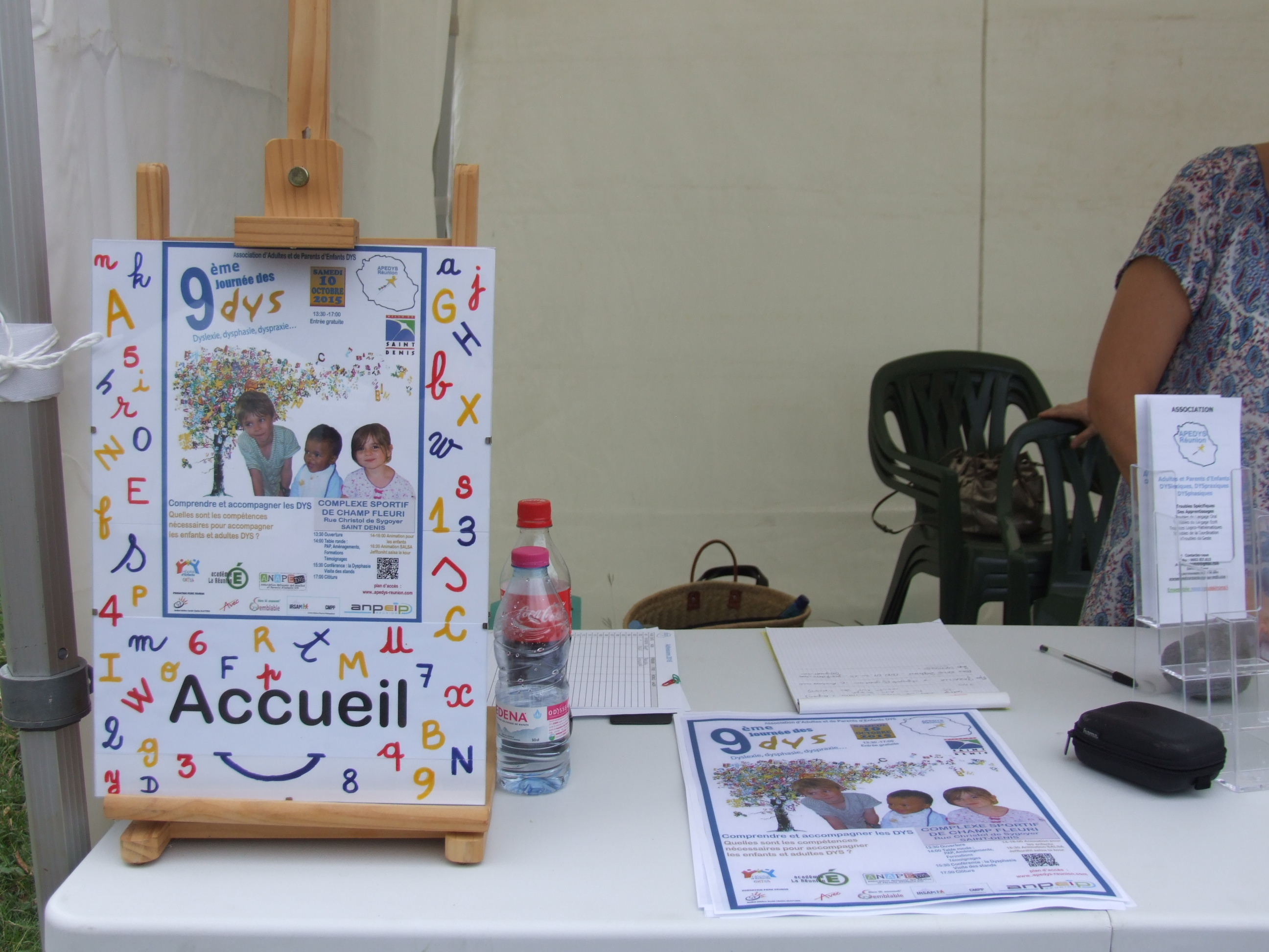 Photo Journee Nationale des Dys 2015 - 5 - Stand Apedys.JPG